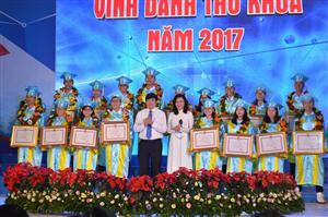 TP HCM: Vinh danh 84 thủ khoa tiêu biểu năm 2017