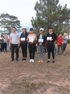 Hội Sinh viên Việt Nam trường CĐSP Đà Lạt phối hợp với tổ chức đoàn thể tổ chưc hội thao Cầu lông - Kéo co chào mừng 88 năm ngày thành lập Đoàn
