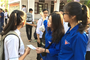 Hà Tĩnh: Áo xanh tình nguyện tiếp sức mùa thi