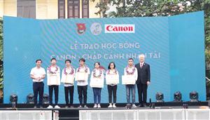 Triển khai Học bổng Canon – Chắp cánh nhân tài năm học 2019-2020