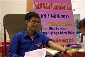 Sinh viên Đại học Đồng Tháp hiến máu tình nguyện