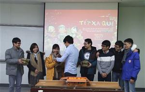 Tết Việt ấm áp với du học sinh Việt Nam ở nước ngoài