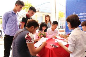 Hội chợ việc làm 2015: Đưa học viên học nghề tiếp xúc với doanh nghiệp