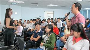 Hội thảo  Tự tin tìm việc  - một trong chuỗi các hoạt động của Ngày hội Nguồn nhân lực trẻ tỉnh Bình Dương lần thứ 3 năm 2015