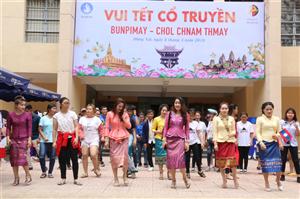 Hội Sinh viên tỉnh Đồng Nai: Vui Tết cổ truyền cùng sinh viên Lào và Campuchia