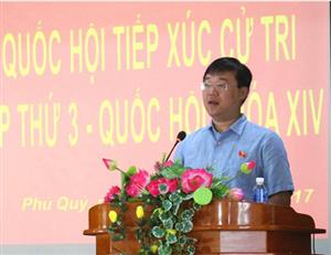 Đại biểu Quốc hội Lê Quốc Phong tiếp xúc cử tri tại huyện Phú Quý