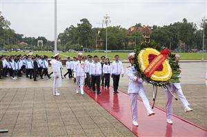 693 đại biểu dự Đại hội Sinh viên Việt Nam lần thứ X báo công dâng Bác