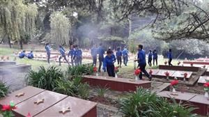 CLB Nhịp sống giảng đường Trường Đại học Đà Lạt thăm viếng và dọn dẹp nghĩa trang liệt sỹ tại thành phố Đà Lạt