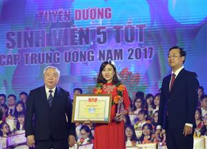 Tuyên dương Sinh viên 5 tốt cấp T.Ư và trao giải thưởng Sao tháng Giêng
