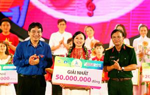 """Chung kết """"Hành trình bài ca sinh viên 2015"""": Nữ sinh Đại học Thái Nguyên xuất sắc giành giải Nhất"""