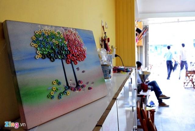 Hình ảnh Cô bé 9 tuổi mở quán cà phê độc đáo tại Sài Gòn số 4