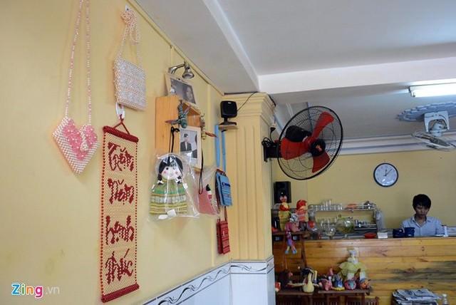 Hình ảnh Cô bé 9 tuổi mở quán cà phê độc đáo tại Sài Gòn số 9