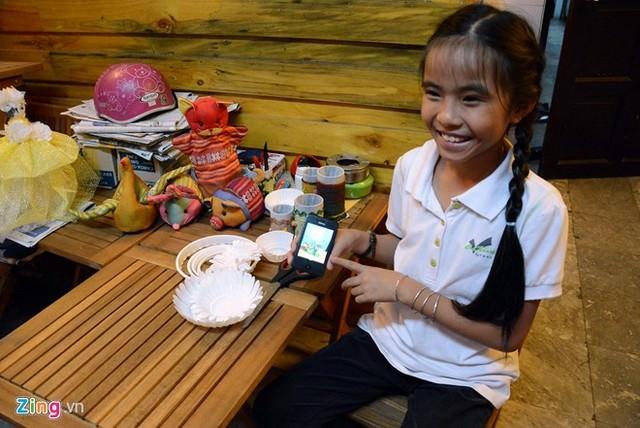 Hình ảnh Cô bé 9 tuổi mở quán cà phê độc đáo tại Sài Gòn số 10