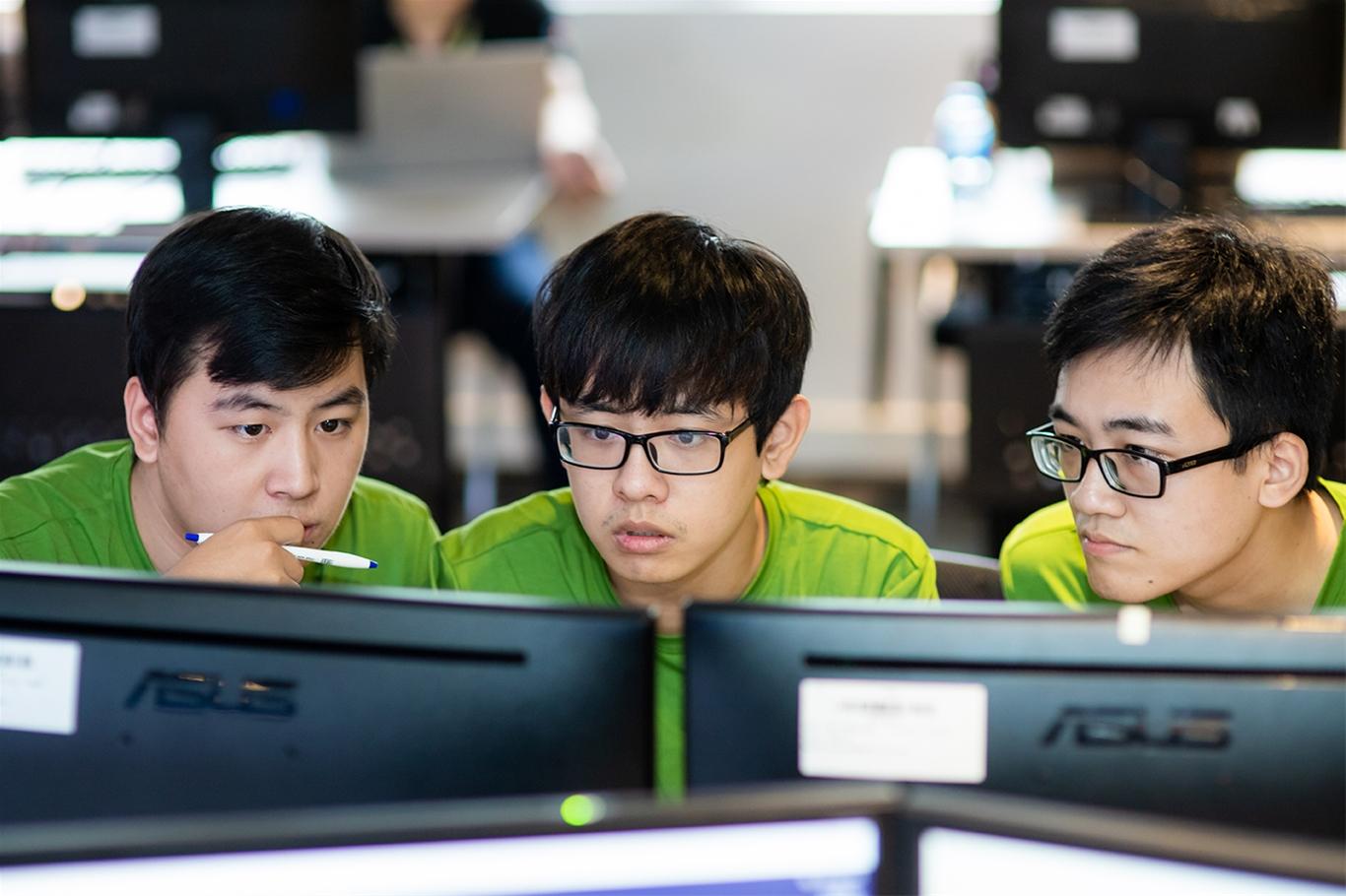 Sinh viên tham gia vòng chung kết tại khu vực miền Bắc