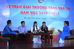 Trao giải thưởng Trần Văn Ơn cho học sinh tiêu biểu