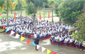 Tư vấn, định hướng nghề nghiệp cho hơn 1.000 học sinh THPT tại Nam Định