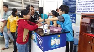 Sinh viên Trường ĐH Kinh tế TP. Hồ Chí Minh tình nguyện tại BV Chợ Rẫy