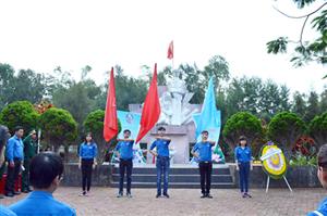 Quảng Ngãi: Chương trình Sinh viên với biển đảo quê hương năm 2017 với nhiều hoạt động bổ ích, ý nghĩa