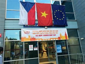 Sôi nổi Đêm khai mạc Trại hè thanh niên, sinh viên Việt Nam toàn châu Âu lần thứ 3 tại Cộng hòa Séc