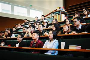 Đại hội sinh viên Việt Nam tại thành phố Rennes – Tây Bắc nước Pháp.