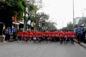 Quảng Ngãi: 200 học sinh, sinh viên tham gia giải chạy việt dã
