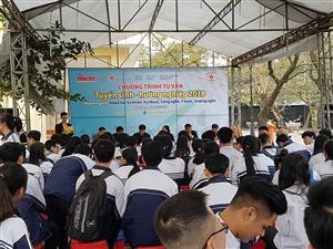 Nghệ An: Hơn 1.000 học sinh tham gia tư vấn tuyển sinh hướng nghiệp năm 2018