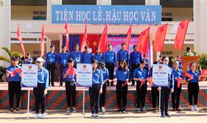 Huyện đoàn Di Linh tỉnh Lâm Đồng hưởng ứng chiến dịch Hoa Phượng Đỏ