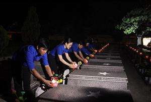 Hơn 2500 đoàn viên thanh niên thắp nến tri ân các anh hùng liệt sĩ