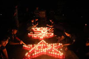 Hàng ngàn ngọn nến tri ân thắp sáng nghĩa trang liệt sĩ TP.HCM