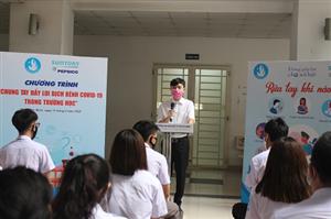 Trung ương Hội SVVN tặng 10.000 lít dung dịch rửa tay sát khuẩn cho sinh viên