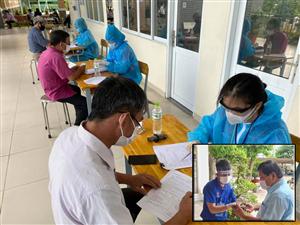 Những người trẻ hỗ trợ tuyến đầu tiêm vắc xin: Công việc nhiều vô kể...