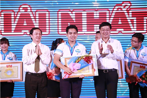 Thủ lĩnh sinh viên toàn quốc 2016